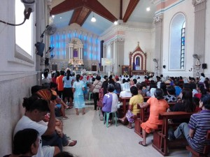 Holy Mass Celebrated inside the Oslob Church to finalize the Visita Iglesia